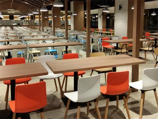 长沙高校食堂餐桌椅.jpg